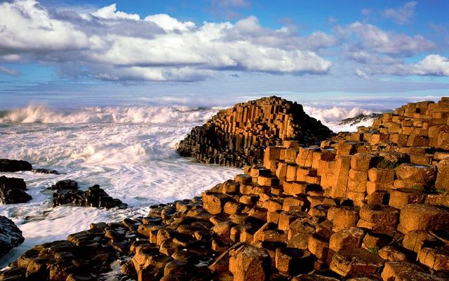 cropped_giants-causeway-clouds-chris-hill